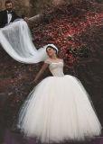 fora do vestido de casamento frisado nupcial S201710 do espartilho dos vestidos de esfera do ombro