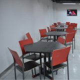 Restaurante octogonal mesa e cadeiras