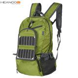 キャンプ電池が付いている10W 2017太陽バックパックを折る太陽エネルギーをハイキングする