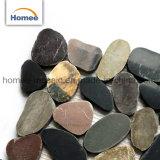 安い小石の大理石の屋外の床タイルのマットの小石の石のモザイク・タイル