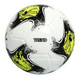 يخوى كرة قدم [مشن-ستيتشد] لأنّ ممارسة
