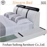 8002 실제적인 가죽 현대 침대