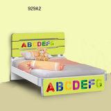 2017年のアルファベットデザイン木セットの子供の寝室の家具の子供の漫画の調査表および椅子(項目No# 929A2)