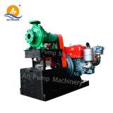 O motor diesel da bomba de irrigação agrícola do Trator