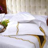 Reeks van het katoenen de Duidelijke Dekbed van het Hotel Douane Geborduurde