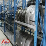 Exibir uma pilha de pneus para veículos automotivos Graxeiras