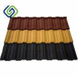 La piedra de los materiales de material para techos cubrió los azulejos de material para techos usados para la construcción