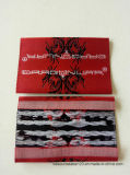 Texto em preto e branco da base vermelha com a etiqueta de tecido Starching dobrável