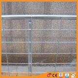 Recinzione galvanizzata dell'azienda agricola della rete metallica del TUFFO caldo