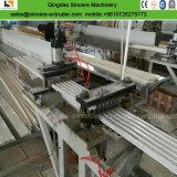 Plastik-Belüftung-Profil-Strangpresßling-Zeile mit Profil-lochender Maschine