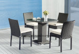 屋外の家具の製造者の1つの足表(YTA182&YTD836)による安いレストランの枝編み細工品K/Dのダイニングテーブルそしてスタック可能椅子