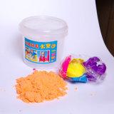Jouer de la pâte de jouets colorés de la modélisation de l'argile pour les enfants