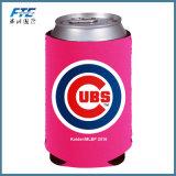 絶縁されたビール瓶のクーラーと決め付けられる屋外広告のロゴ