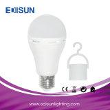 Um LED60 9W E27 Lâmpada LED de emergência recarregável