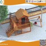 幼稚園のための屋外の木の冒険の運動場