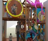 Campo de jogos interno do pirata do divertimento do elogio para miúdos