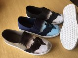 Heller Form-Beleg auf beiläufiger Segeltuch-Mann-Dame Shoes