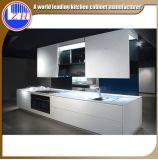 Mobilia modulare lucida della cucina della fibra del pacchetto piano con la pietra del controsoffitto