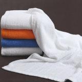La Chine a fait le fournisseur d'essuie-main de coton, essuie-main de fantaisie blancs d'hôtel