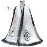2017 nuova signora Fashion Satin Scarf con lo scialle stampato Rosa