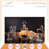 Frasco de uísque de vidro vintage com montagem de copo