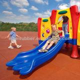 子供領域および運動場のゴムタイル