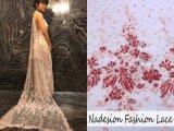 Tessuto in rilievo Handmade elegante del merletto del ricamo del filetto dell'oro 2018 3D
