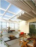 La cortina de tela (sun-refleja) para el ahorro de energía