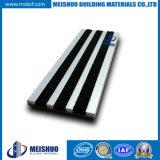 Tile를 위한 옥외 Aluminum Frame Carborundum Safety Anti Slip Stair Nosing
