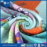 ループが付いている100%年の綿の大型の反応印刷されたビーチタオル