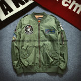 Brise-vent de la qualité de la mode des vestes de bombardement avec des broderies des correctifs