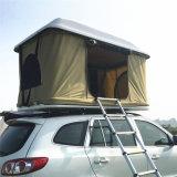 يطوي [كمبر تريلر] سقف أعلى خيمة لأنّ يخيّم