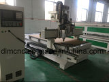 CNCのマシニングセンターの木工業機械
