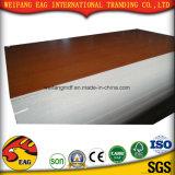 ISO9001: 2008 E2 E1 680 710 730 740kgs 1220*2440mm AAA 급료 장식적인 널 건축재료 멜라민 MDF