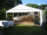 de Tent van Familiy van het Glas van 10X18m voor de OpenluchtCeremonie van het Huwelijk
