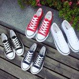 Chaussures de toile Stock Une cartouche de toile de saut occasionnels Femmes Hommes