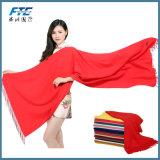 OEMのファッション・デザイナーの固体長い綿のブレンドの偶然の赤いスカーフ