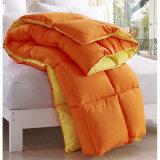 柔らかいポリエステル羽毛布団、暖かいホテルの羽毛布団、Microfiberのベッドの羽毛布団のキルト