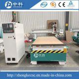 Skm25hモデル木CNCのルーターを変更する自動ツール