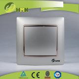 Interruttore variopinto della parete dell'ORO di MODO del piatto certificato CE/TUV/CB 1 di standard europeo