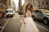 Applique sexy perlant une ligne robe de mariage nuptiale de plage de soirée