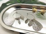 Имитационные ювелирные изделия в цвете серебра формы листьев, серьги повелительниц платины способа
