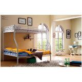 寝室の家具の学校の階段が付いている鋼鉄金属の二段ベッド