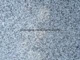 中国は灰色G602 Biancoの水晶花こう岩のためのかフロアーリングをまたは舗装のタイル磨いた