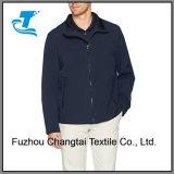 Мужчин в полимерной растянуть открыть нижнюю куртку для гольфа