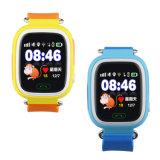 子供Lbs/GPS/WiFi LocatoのためのQ90子供GPSの腕時計のタッチ画面の子供のGoogleのマップSosボタンの腕時計