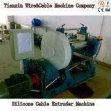 真新しいSilicineのゴム製ケーブル押し出し外装機械