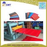 Cadena de producción plástica esmaltada coloreada ASA del azulejo de Ridge de la azotea de PVC+PMMA/