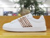 نمط تصميم جميلة نساء لوح التزلج أحذية