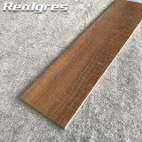 マットの屋内床の自然な木製のタイル